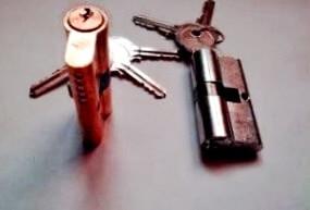 Llame y confíe en Cerrajeros baratos enAlfondeguilla con mucha experiencia para reparar su problema